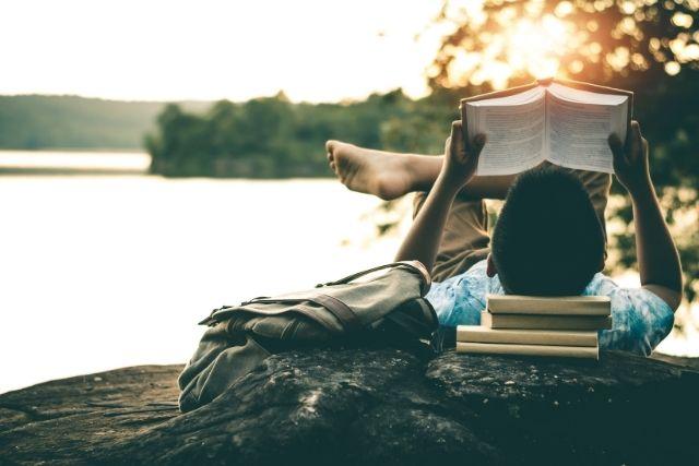 読書する社会人
